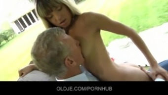 Oldman persuaded and fucked by hornyTeeny